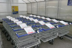 01 In-store - 01 Cargo Trolley Advertisement